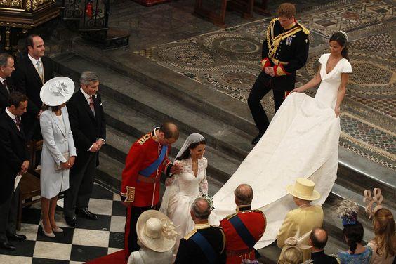 2011 Royal Wedding Curtsy