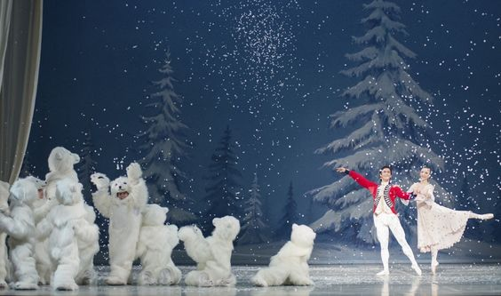 The Royal Winnipeg Ballet's Nutcracker with little polar bears