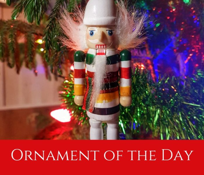 Ornament of the Day 1, Blogmas 2018